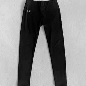 Under Armour Cold Gear Black Capris - Youth Large